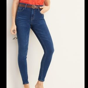Old Navy Super Skinny High Waisted Jeans 24/7 Sculpt Stretchy Casual Trendy